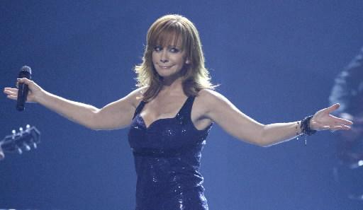 Reba McEntire at the 2009 CMA Awards