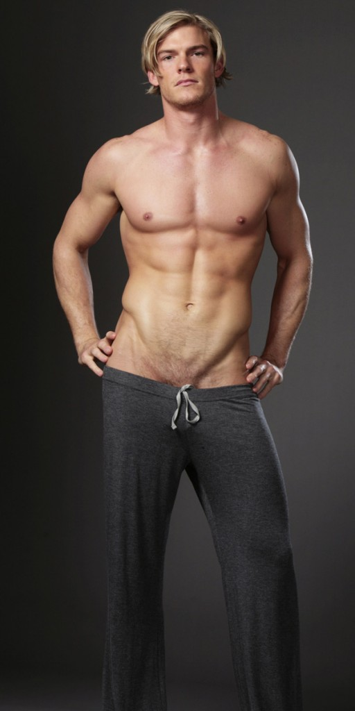 Man Crush Of The Day Actor And Model Alan Ritchson The Man Crush Blog
