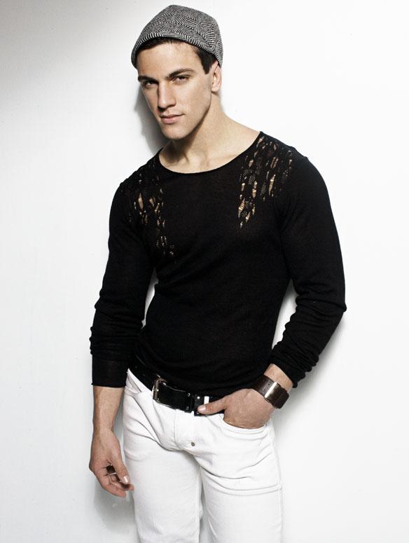 Man Crush of the Day: Model Ray Santiesteban   THE MAN