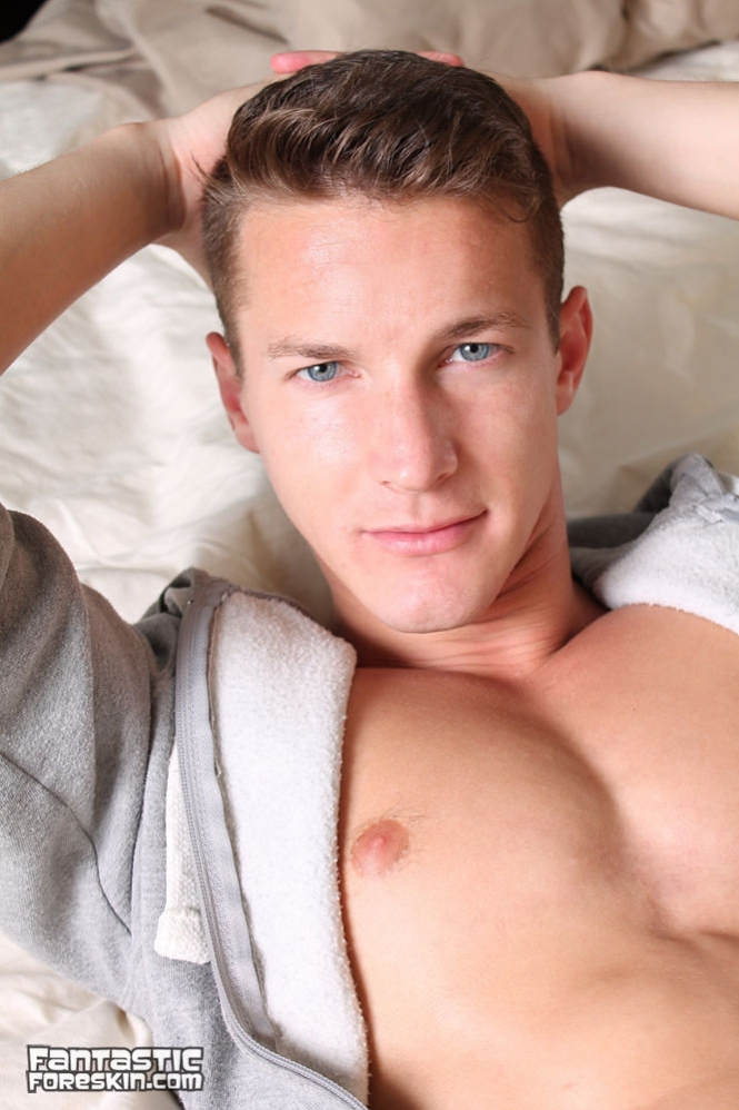 Amateur male bulges gay levon agrees to 8