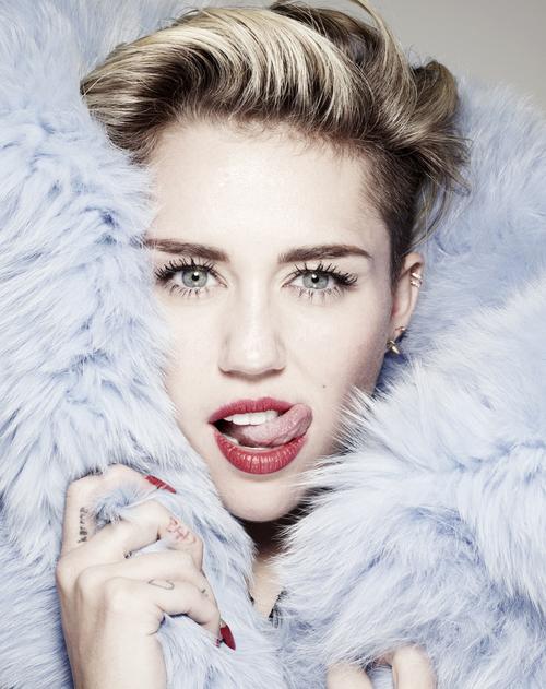 Miley Cyrus | Bangerz Review