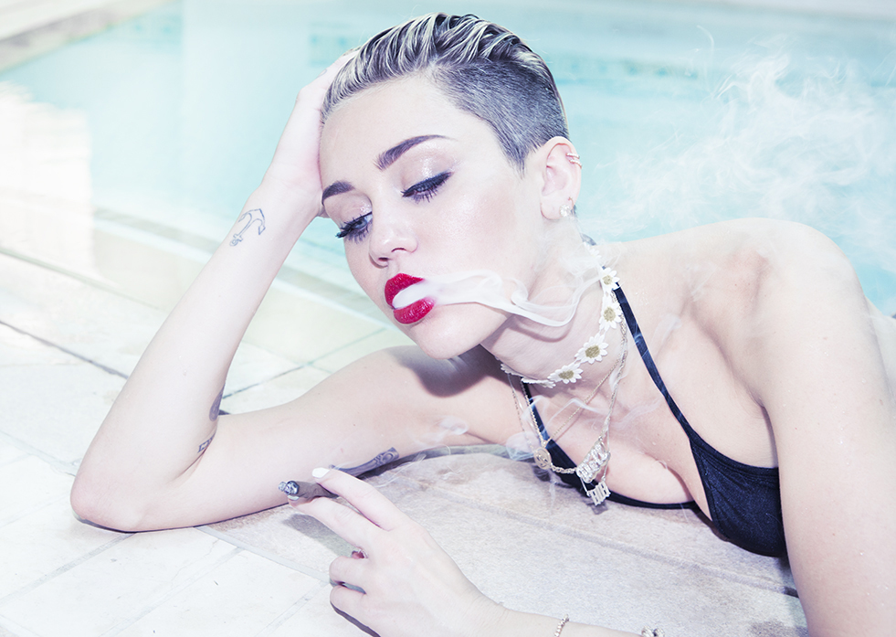 Miley Cyrus | Bangerz Review