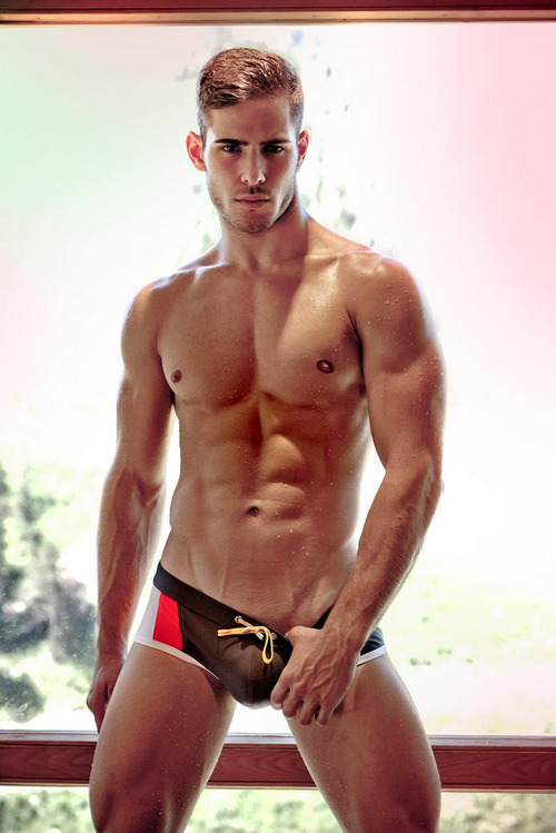 Victor Galvez | Male Model