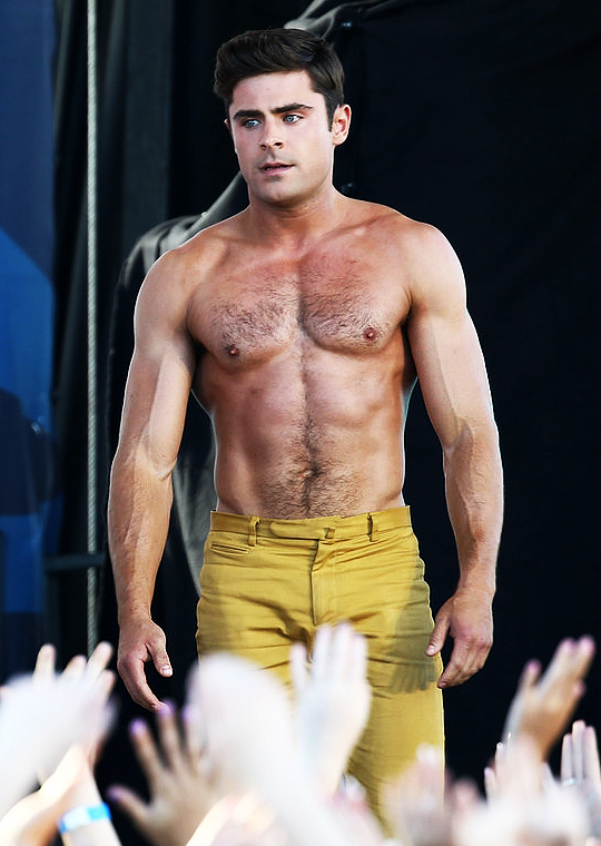 "Zac Efron Filming ""Bad Grandpa"" 