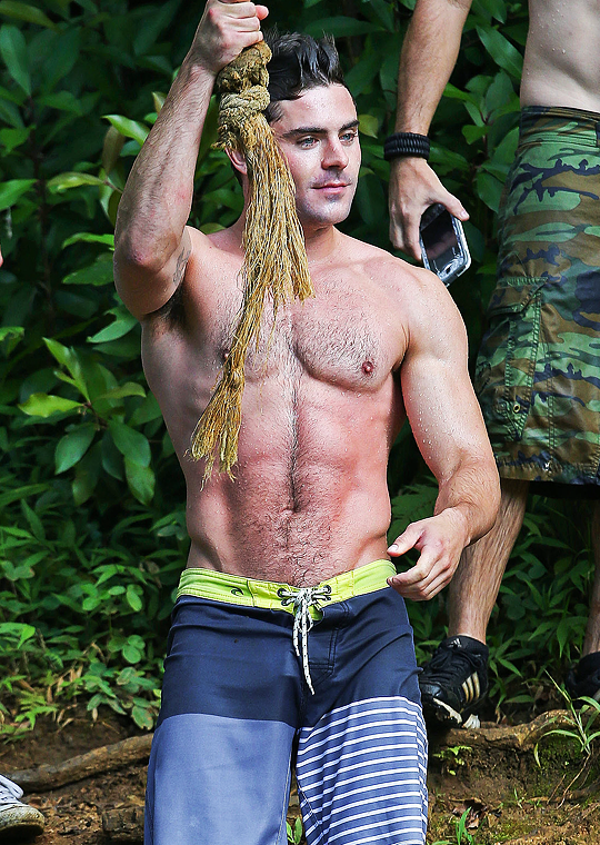 Zac Efron Films Mike And Dave Need Wedding Dates The